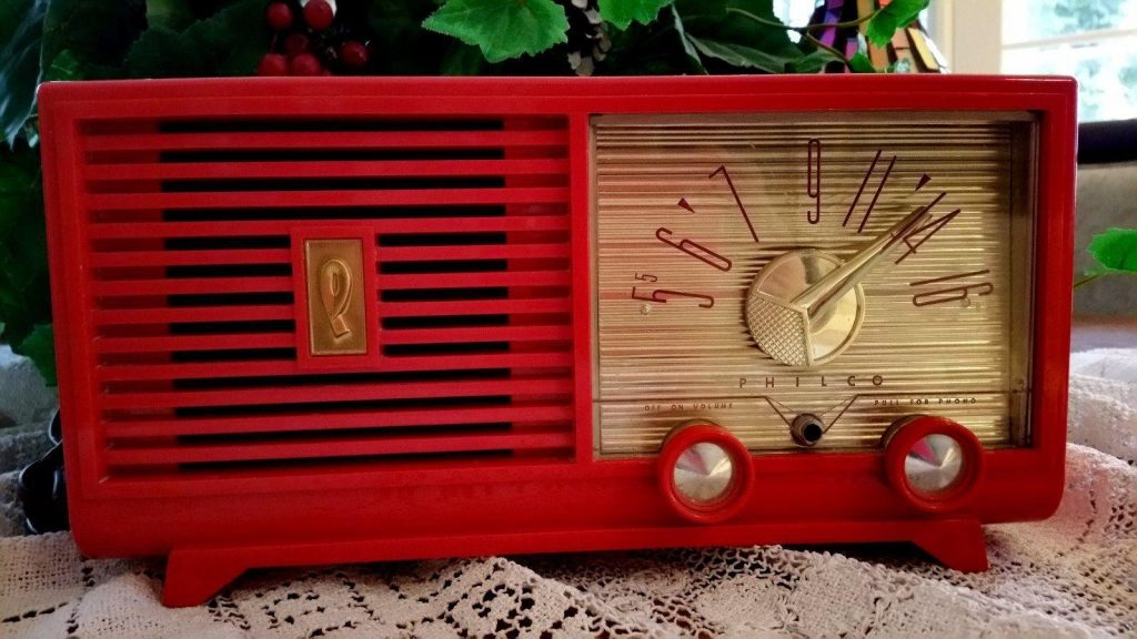 K6HR Radio Timeline: Philco D579 aka the Red Radio